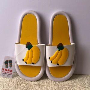 BANANAS beach slippers white and yellow BNWT